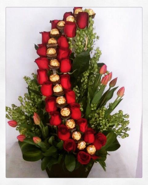 Rosas Tulipanes Y Chocolates